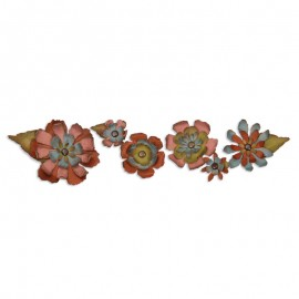 FUSTELLA-TATTERED-FLOWER-GARLAND